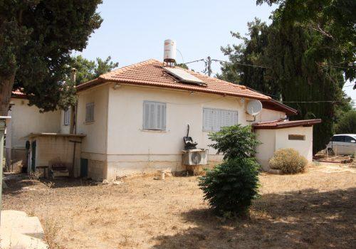 בית כפרי במבוא ביתר מגרש גדול